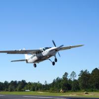 Cessna Supervan 900 taking off