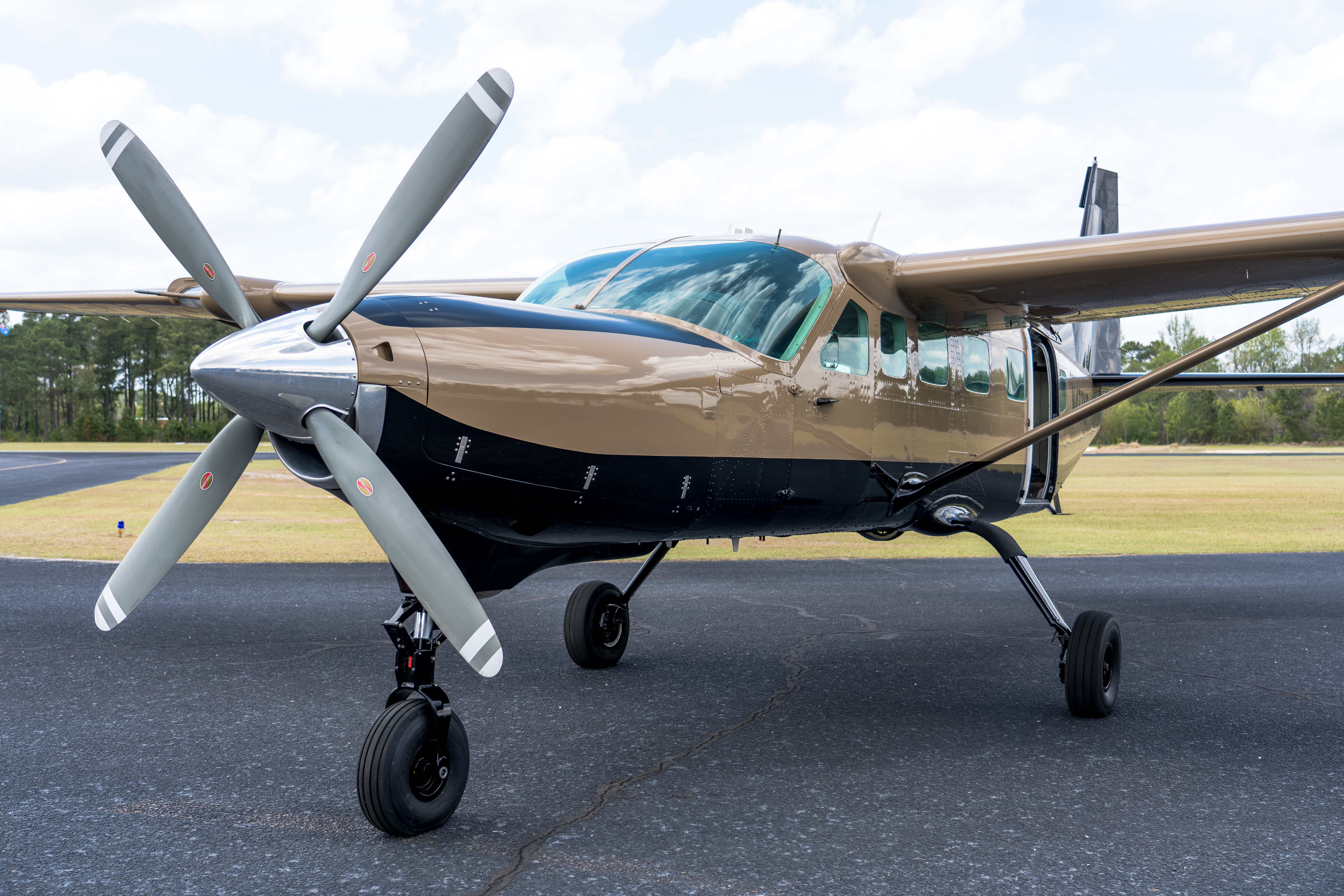 Small Aircraft Leasing | Military & Civilian | Paraclete